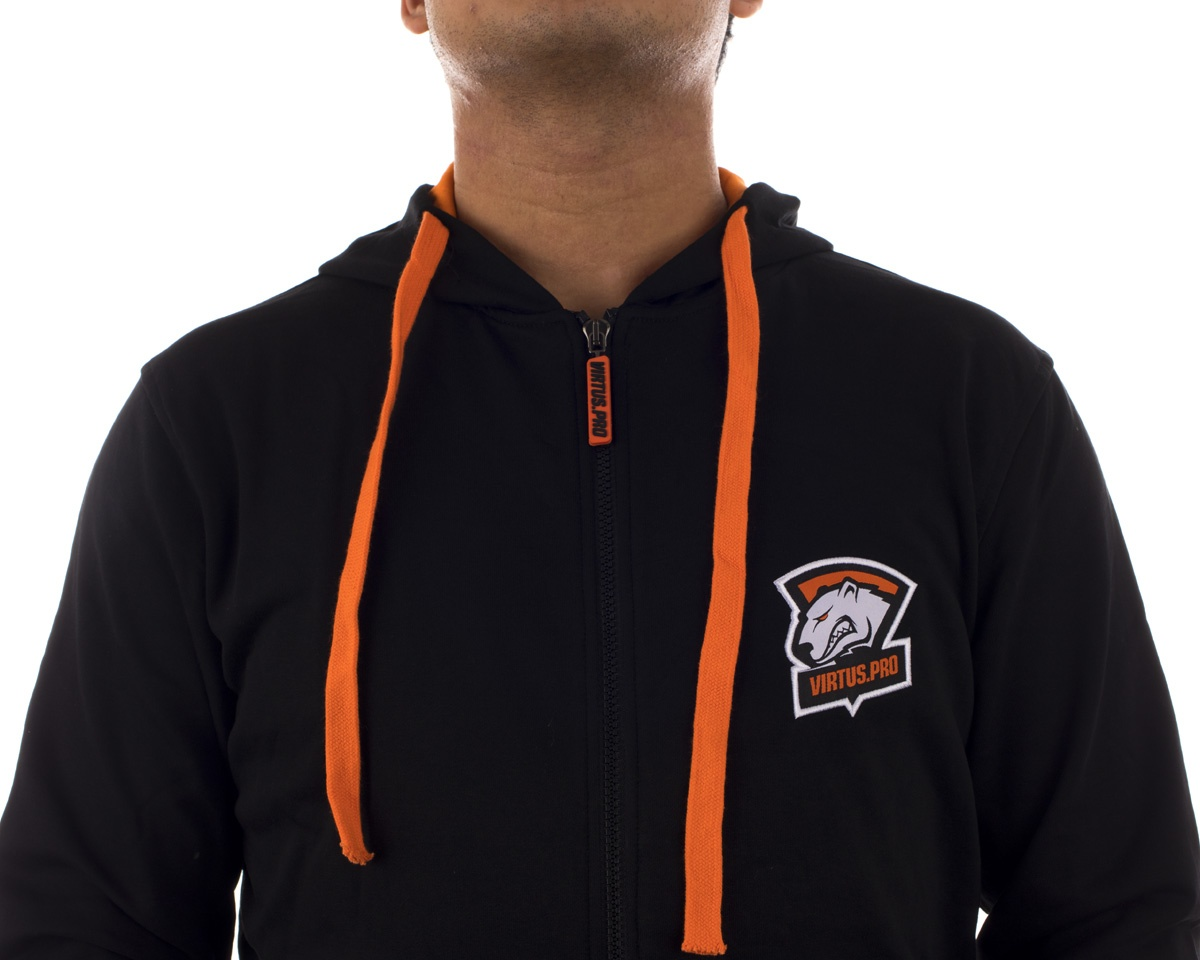 Player Zipper Hoodie 2017 in the group Clothing / Team store / Virtus.pro at MaxGaming (10738)
