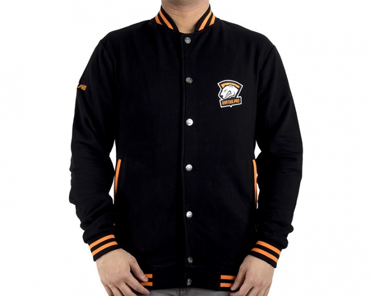 College Jacket 2017 in the group Clothing / Team store / Virtus.pro at MaxGaming (10110)